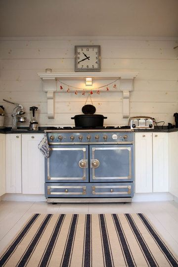 Chef Laurent Tourondel's country kitchenThe Cornue, Vintage Stoves, Fireplaces Mantels, Dreams Kitchens, Vintage Kitchens, Blue, Interiors, House, White Kitchens