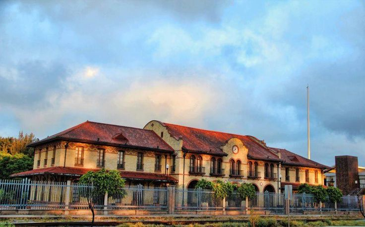 Edificio principal de Estación de Ferrocarril