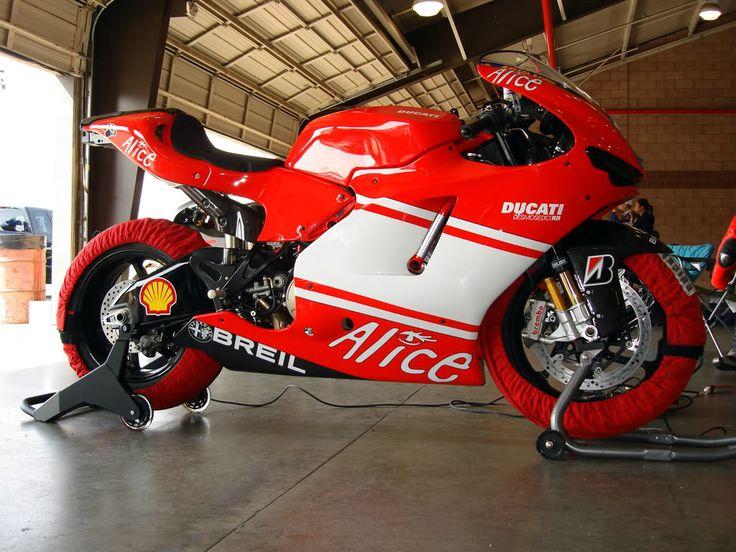 Ducati Desmosedici D16RR