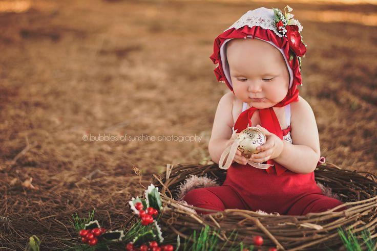 Vintage Xmas Bonnet. Photography by Bubbles of Sunshine Photography