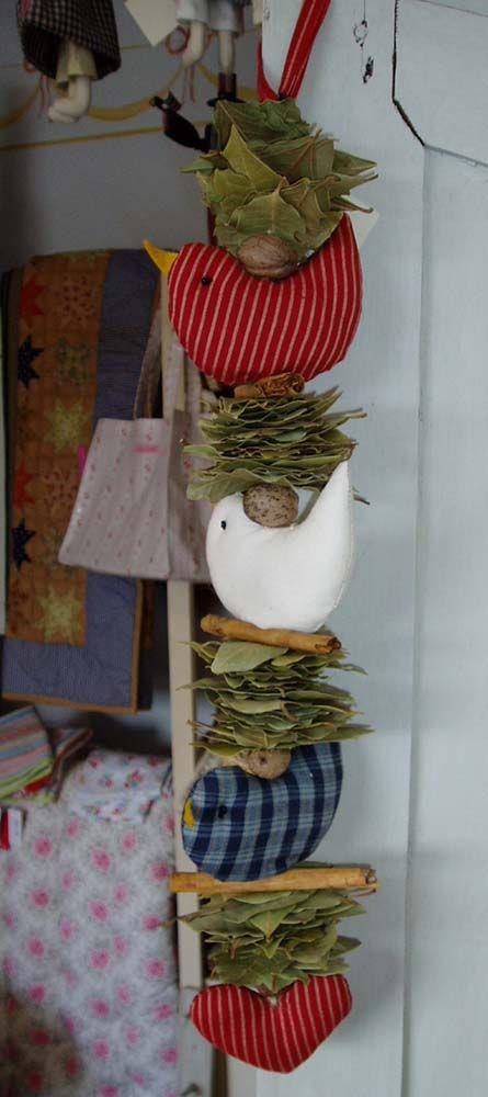 http://www.oldeglory.co.uk/images/decorations/tc_rwb_bird.jpg