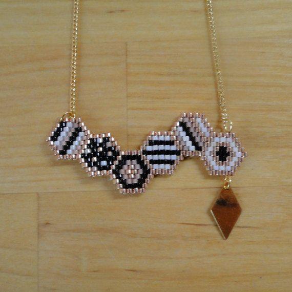 Collier perles Miyuki tissées noir rose blanc par MelleSimoneShop