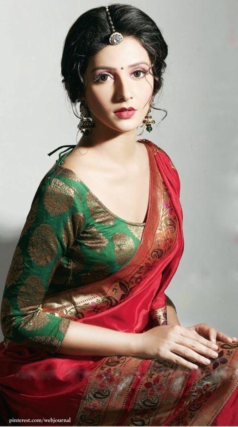 So Pretty: Model, Benarasi #Silk #Saree, Blouse, Maang Tikka, Earrings,..