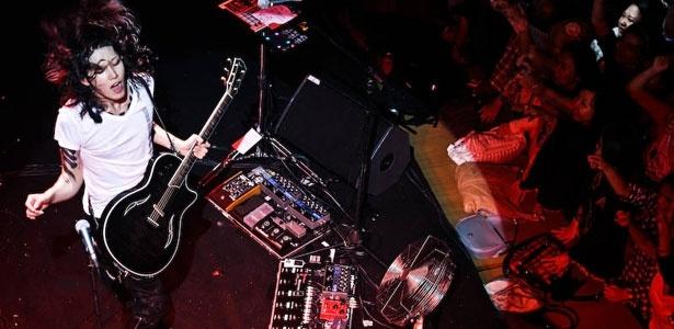 An Interview With Japanese Rockstar Miyavi  Written by Bunga Apriestia 27 November 2012  An Interview With Japanese Rockstar Miyavi        An Interview With Japanese Rockstar Miyavi  Written by Bunga Apriestia 27 November 2012