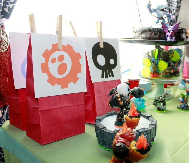 the Crafty Woman: Birthday Weekend, Party #1-Skylanders