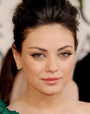 Image from http://files.glow.ca/Images/Articles/MilaKunis-wedding.jpg.