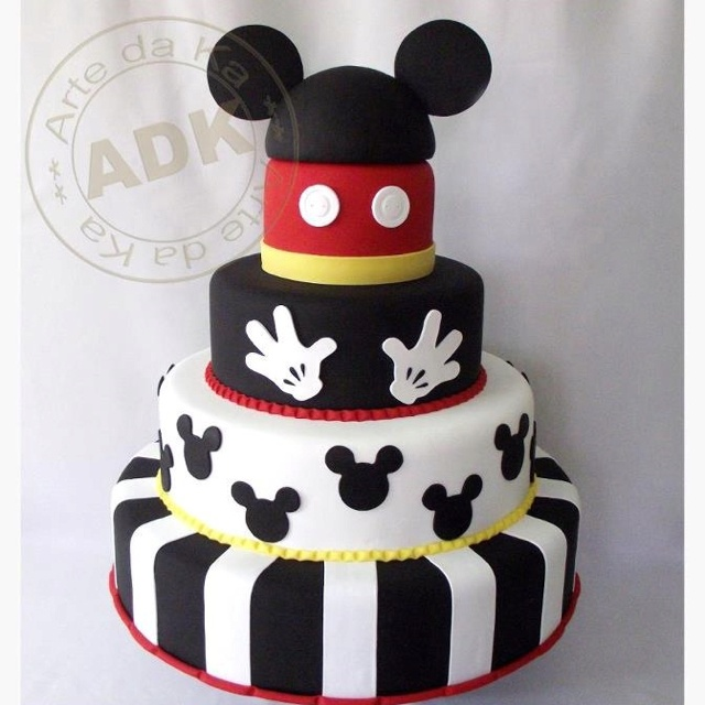 Mickey Mouse cake by Arte De Ka  Check out their gorgeous cakes on FB