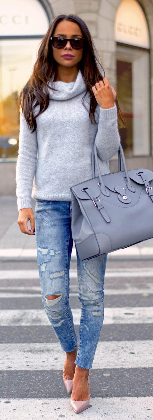 Jeans: NOISY MAY // Sweater: MORRIS // bag: RALPH LAUREN // Shoes: CHRISTIAN LOUBOUTIN