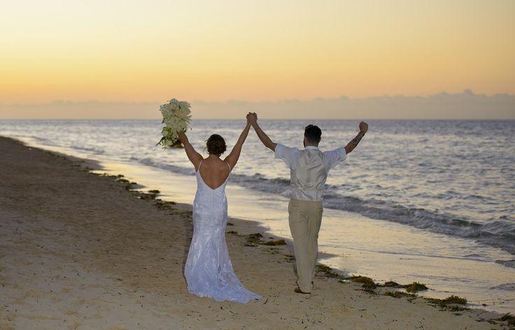 Amanda & Joshua's beach destination wedding in Jamaica @destweds Photography by DigiPix
