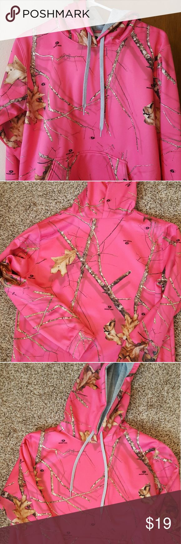 Mossy Oak Hot Pink Sz Med Hoodie, EUC Hot Pink Mossy Oak Camo Sz M Hoodie in excellent used condition. Only tried on, was a gift. No signs of wear, pretty pop of color and nice yet subtle pattern, medium weight hoodie. Open to offers. Let me know if you have any questions, thank you! Mossy Oak Tops Sweatshirts & Hoodies