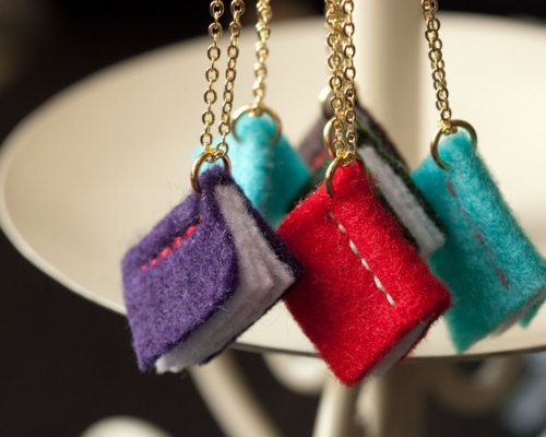 tiny felt books! - these need to be dangling from bookmarks :)
