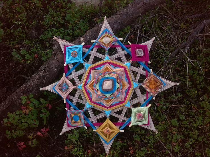 Ojos de Dios Mandala tejido por MarianHeles en Etsy