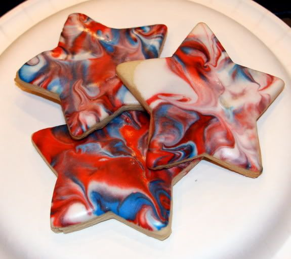 Master a simple technique and create funky tie dye cookies for some Fourth of July fun!