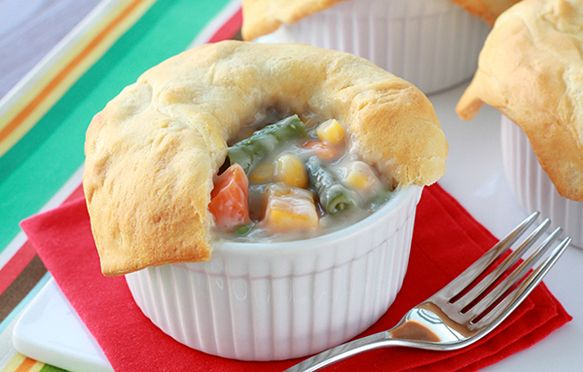 Pie, Oh My! (Sweet & Savory Recipes) | Veggie Pot Pies, Pot Pies and ...