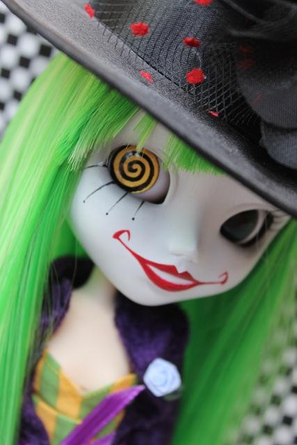 I adore this custom Pullip! (Duela Dent by pullip_junk)