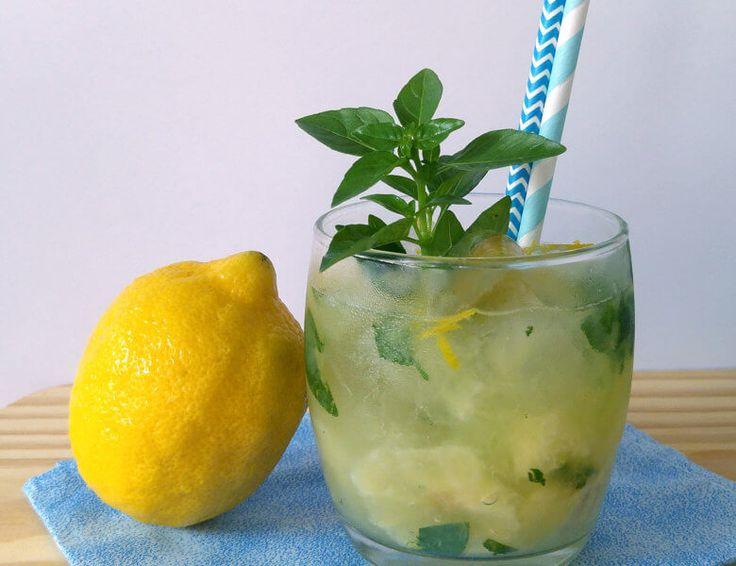 Receita de Caipirinha de Limão Siciliano com Manjericão