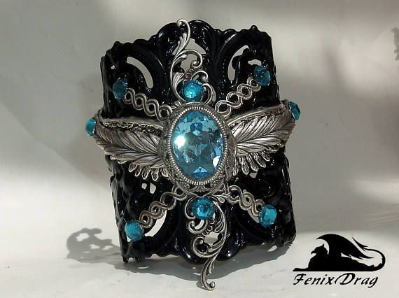 Black bracelet Yennifer wide cuff filigree wings