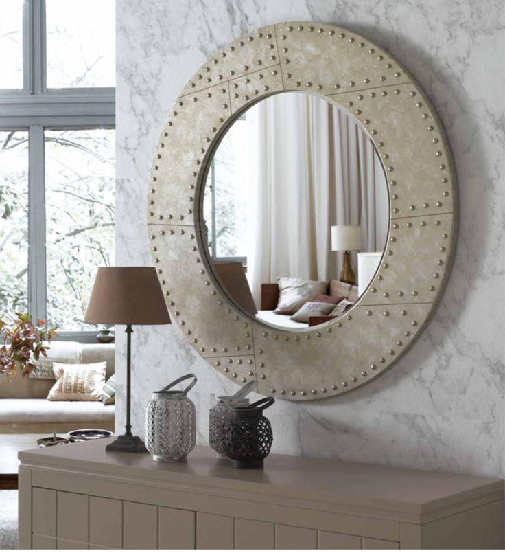 Leter du etter inspirasjon og ideer til ditt hjem? Besøk vår nettbutikk www.mirame.no og se vårt store utvalg av speil, møbler og interiør til ditt hjem. Speil modell RUSTIKK☀️ #speil #stue #soverom #gang #bad #innredning #møbler #norskehjem #mirame #pris #nettbutikk #interior #interiør #design #nordiskehjem #kunstpåveggen #butikk #oslo #norge #norsk #påveggen #bilde #speilbilde #rustikk