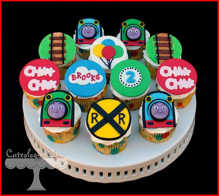 Thomas and Friends Cupcakes with Henry and Gordon. www.facebook.com/i.love.cuteology.cakes