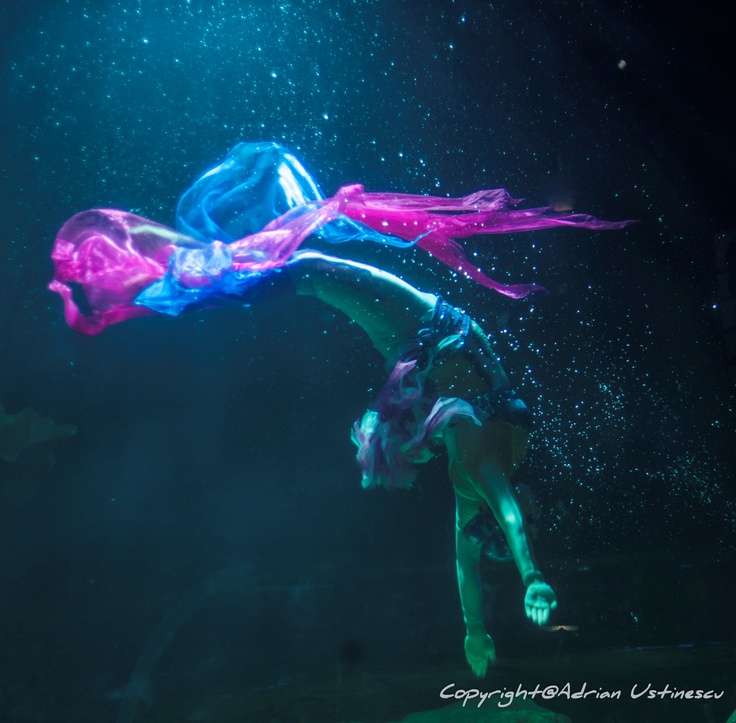 Underwater dance in Chiang Mai Aquarium