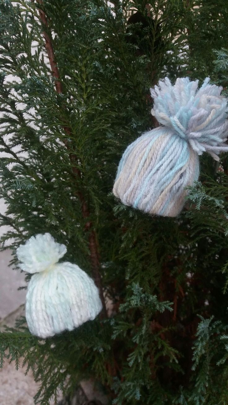 #Mini #Mützen #Bommel #Wolle #Winter #süß #klein #grau #blau