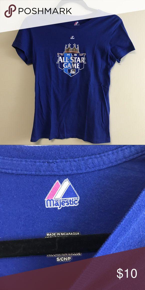 Majestic Kansas City Royals MLB Shirt Small Great condition! Smoke free, pet friendly home. Bezdek Majestic Tops