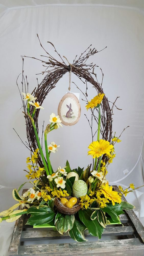 Pretty Easter Flower Decorations and Centerpieces