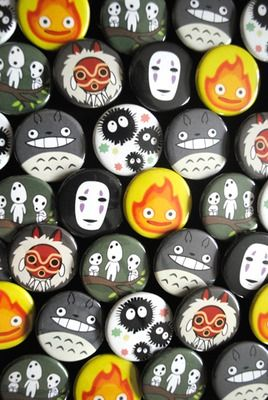 Ghibli buttons. I *must* get me some Totoro buttons!!!