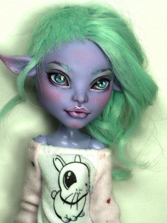 OOAK Monster High Avea Trotter Twyla repaint von von OOAKbyNickOle auf Etsy