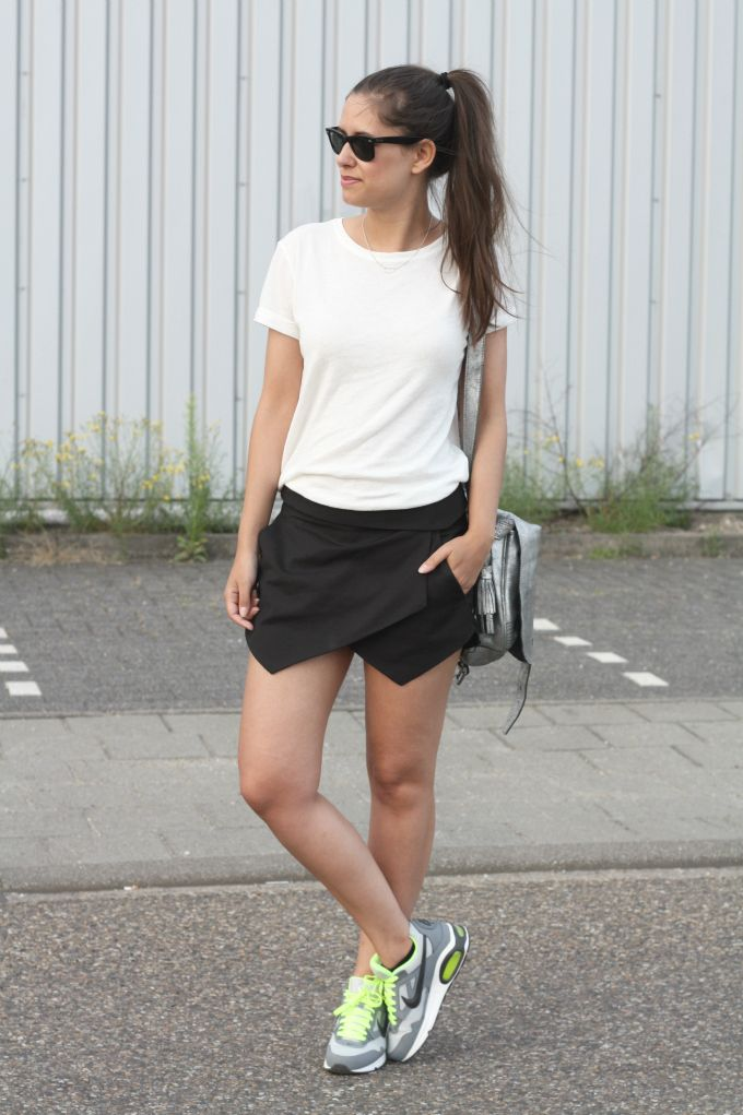 Outfit-nike-air-max-zara-black-skort fashion land