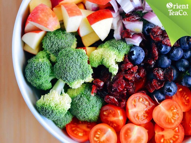 #orientteasincalorias EL MEJOR BALANCE. Consumir al menos dos porciones de fruta y verdura al día, le ayudará a tu cuerpo a estar equilibrado y contar con los nutrientes que necesita. El complemento perfecto de una sana alimentación es Orient Tea, una bebida saludable elaborada a base de té, enriquecida con vitaminas A, C, D, E, fibra y endulzada con stevia 100% natural, sin calorías ni conservadores. www.orienttea.mx