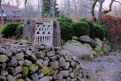 Staplade stenar hos Hannu Sarenström