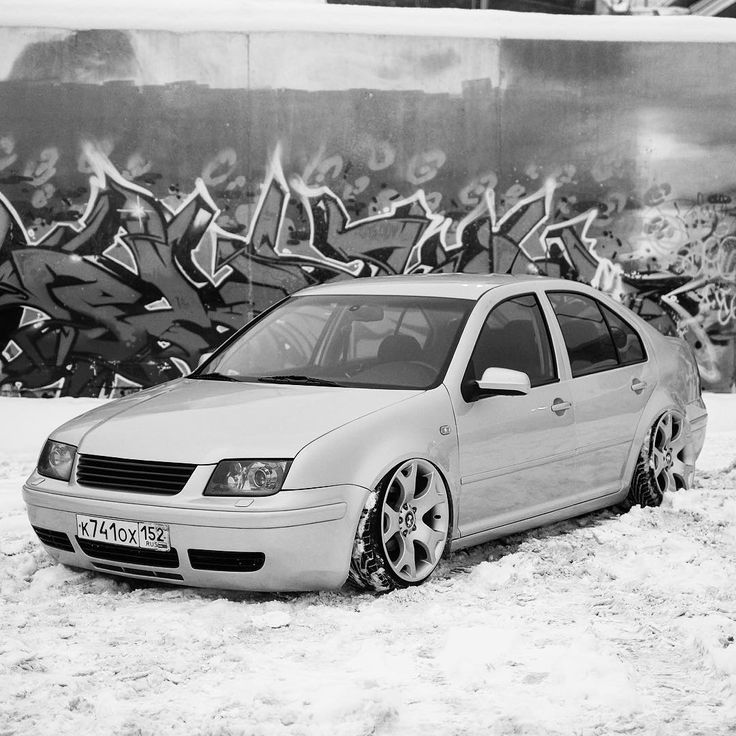 72 отметок «Нравится», 1 комментариев — Головин Михаил (@golovinfoto) в Instagram: «Russian winter stance. #vw #bora #mk4 #low #dub #stance  #bagged #air #bmwrims #bmwwheels #stretch…»