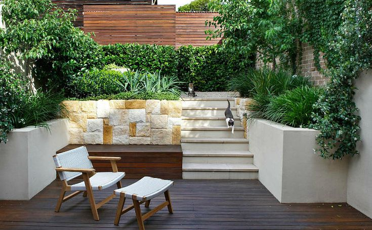 Interesting mix of materials in this courtyard by Sydney based landscape designers Good Manors