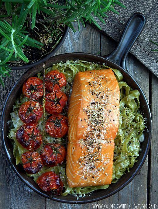 łosoś z suszonymi pomidorami