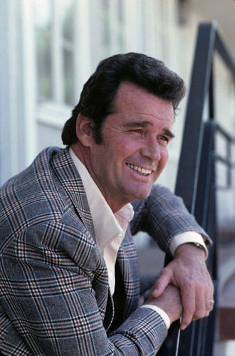 "Pictures & Photos of James Garner - IMDb ames Garner is an American film and television actor, one of the first Hollywood actors to excel in both media. He has starred in several television series spanning a career of more than five decades. Wikipedia Born: April 7, 1928 (age 85), Norman, OK Height: 6' 2"" (1.87 m) Spouse: Lois Clarke (m. 1956) TV shows: The Rockford Files, Maverick, 8 Simple Rules, More Children: Gigi Garner, Kimberly Garner"