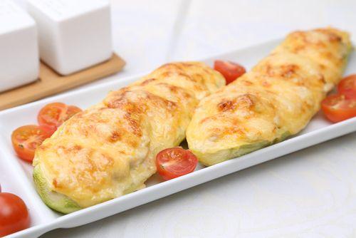 Receta de Receta de calabacines al horno con jamón y queso