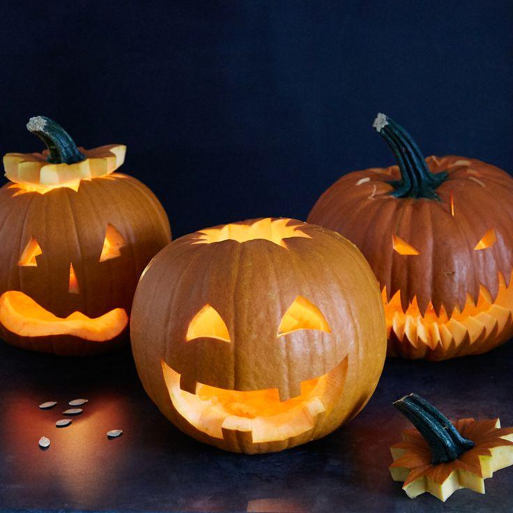 Herbst-Zeit ist Halloween-Zeit ist Kürbis-Zeit! So schnitzt du Gesichter in deinen Kürbis, reparierst Missgeschicke und verwertest das Fruchtfleisch.