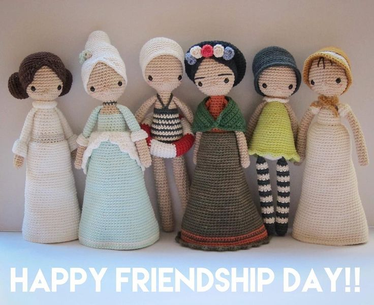 { Here in Argentina today we celebrate Friendship Day! So let me take the opportunity to salute all my many crochet friends!!! I am so happy to have found you!!! Thank you for your messages and kind words! A big fat special hug to @lalylaland, @ginacie and @corinnas_hook !! I so much cherish our friendship girls!! }  #FriendshipDay #DiaDelAmigo #Crochet #CrochetPattern #Amigurumi #Doll #AmourFou #Leia #MarieAntoinette #Esther #Frida #Amelie #Elizabeth