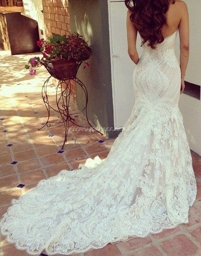 This dress is gorgeous I need to see the front.