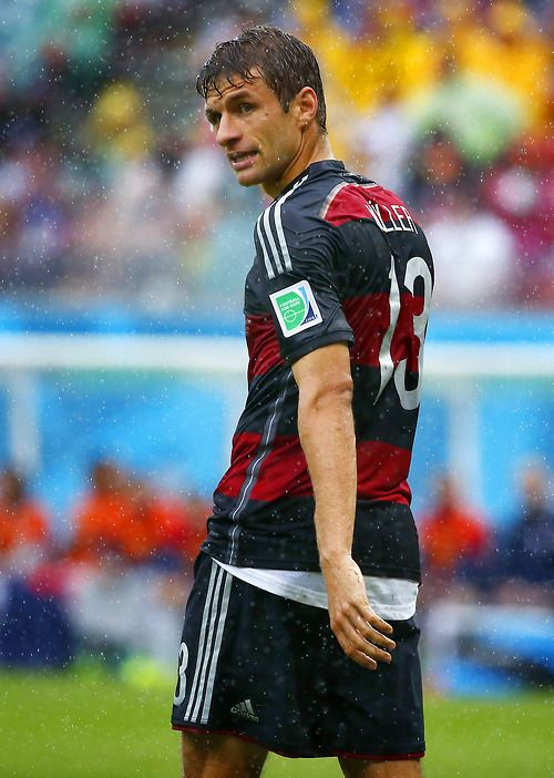 Müller playing in the rain 2014 World Cup