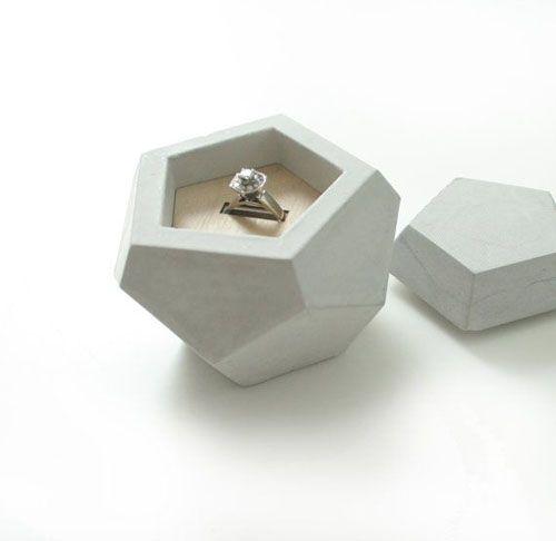 photos display pos Wedding rings.
