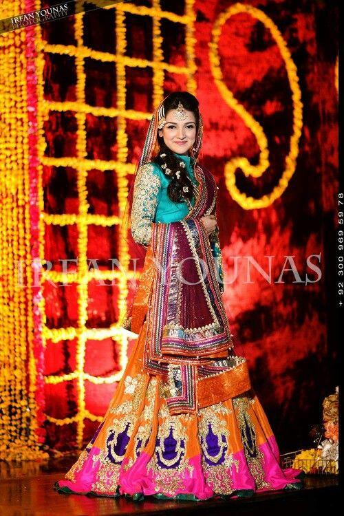 Irfan Younas photography. Pakistani Bride And Groom ♡ ❤ ♡ Pakistani Wedding Dress, Pakistani Style. Follow me here MrZeshan Sadiq Follow them on Facebook : https://m.facebook.com/profile.php?id=363263863711738