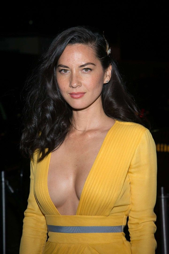 Olivia Munn - Lisa Olivia Munn is an American actress, comedian, model, television personality and author. --------------------- 6:13am mon 14-sep-2015-º12-ks