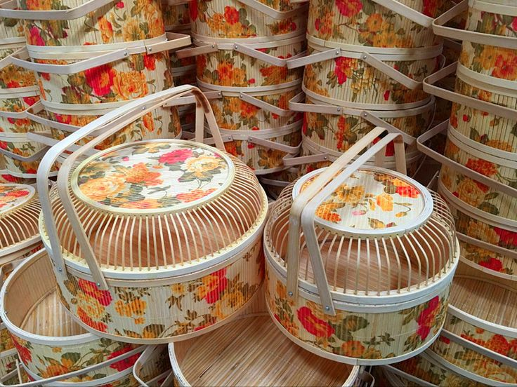 Vintage traditional gift baskets, printed bamboo baskets
