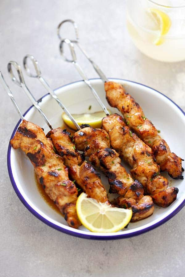 Filipino Chicken Skewers - juicy, moist and savory chicken kebab seasoned Filipino-style with soy sauce, banana ketchup and garlic. Absolutely delicious and a crowd pleaser | rasamalaysia.com