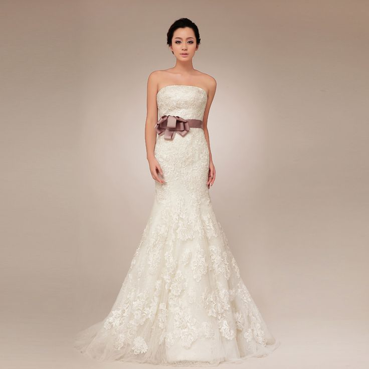 New arrival Strapless Lace bridal gown with Natural waist
