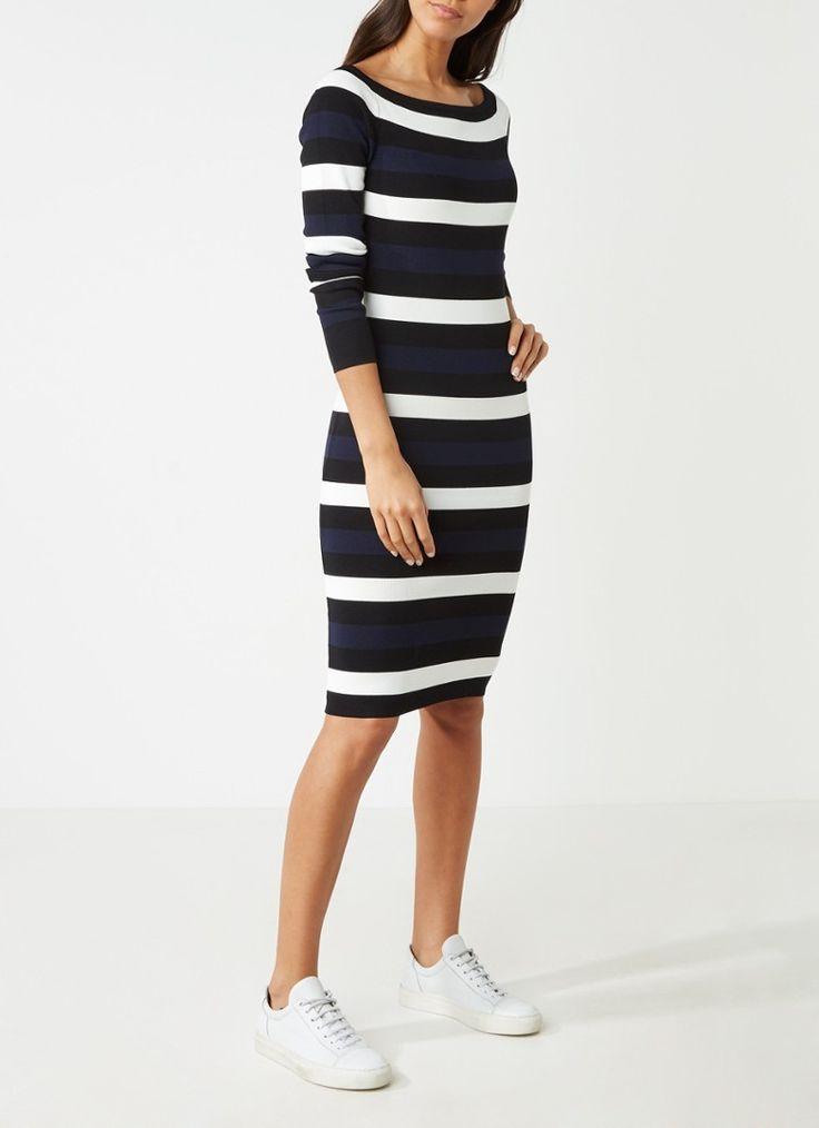 Nikkie Jolie off shoulder jurk met lange mouwen • de Bijenkorf €99,95