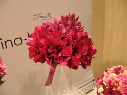 Florentina Blumen & Kunst | Brautstrauß mit Dendrobium in pink | Hochzeitsausstellung