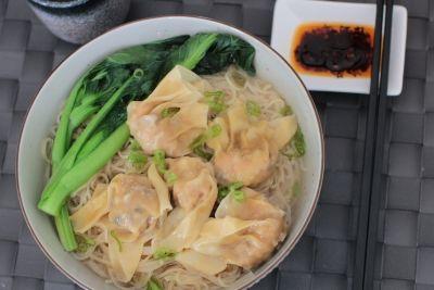 Wonton noedelsoep 雲吞湯麵 - Recepten | Amazing Oriental